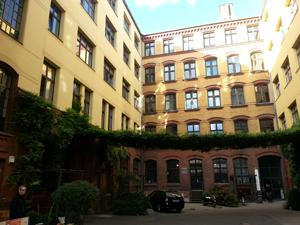 Eingang_Bülowbogen2