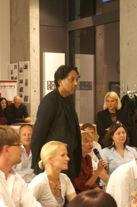 Blick ins Publikum während dem Base_camp in Berlin-Mitte